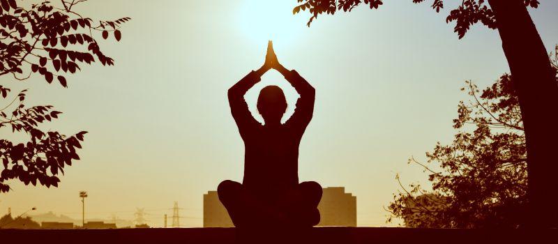 Cursos de francés y cursos de yoga